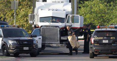 Mueren ocho migrantes dentro de un camión