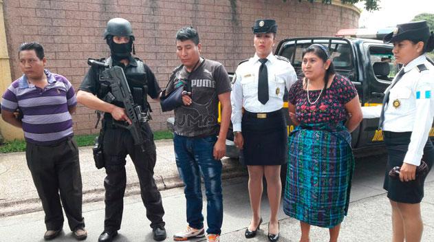 Detienen a presuntos responsables de asesinar a dos niños en San Juan Sacatepéquez