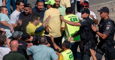 Enfrentamientos en protesta de taxistas contra Uber en Rio de Janeiro