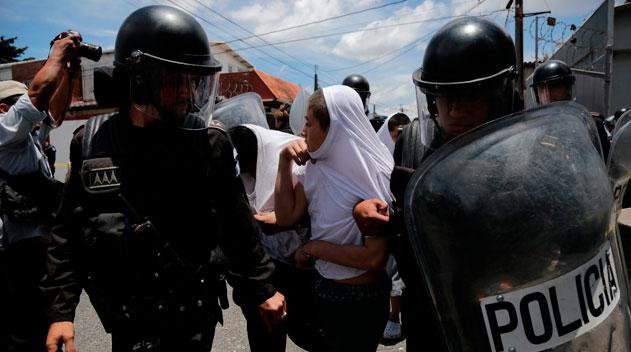 Autoridades toman el control en correccional Las Gaviotas