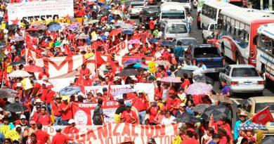 Salvadoreños claman por reforma justa del sistema de pensiones