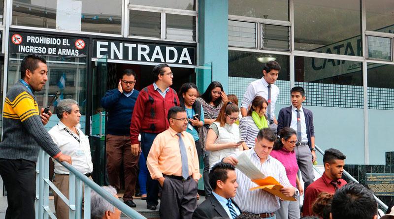 Trabajadores del igss participan en simulacro de sismo en - Centros unico oficinas centrales ...