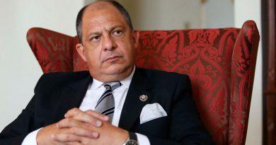 Presidente de Costa Rica se licencia de cargo por operación de próstata
