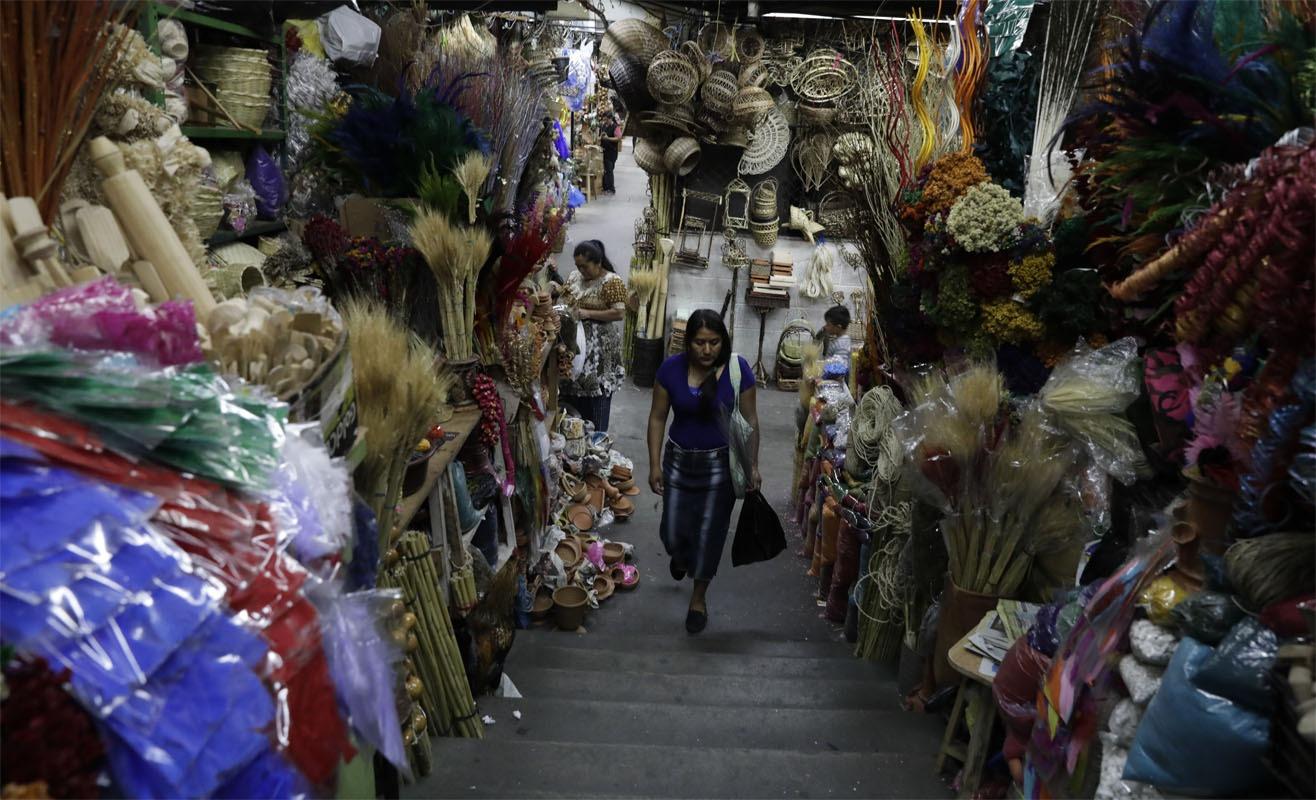 Los colores de los mercados Central y Colón