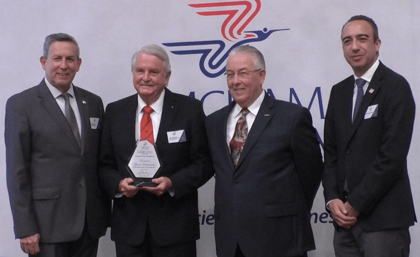Premian a 4 empresas por su contribución a la comunidad