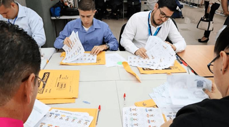 Costa Rica inicia impresión de papeletas para segunda ronda electoral