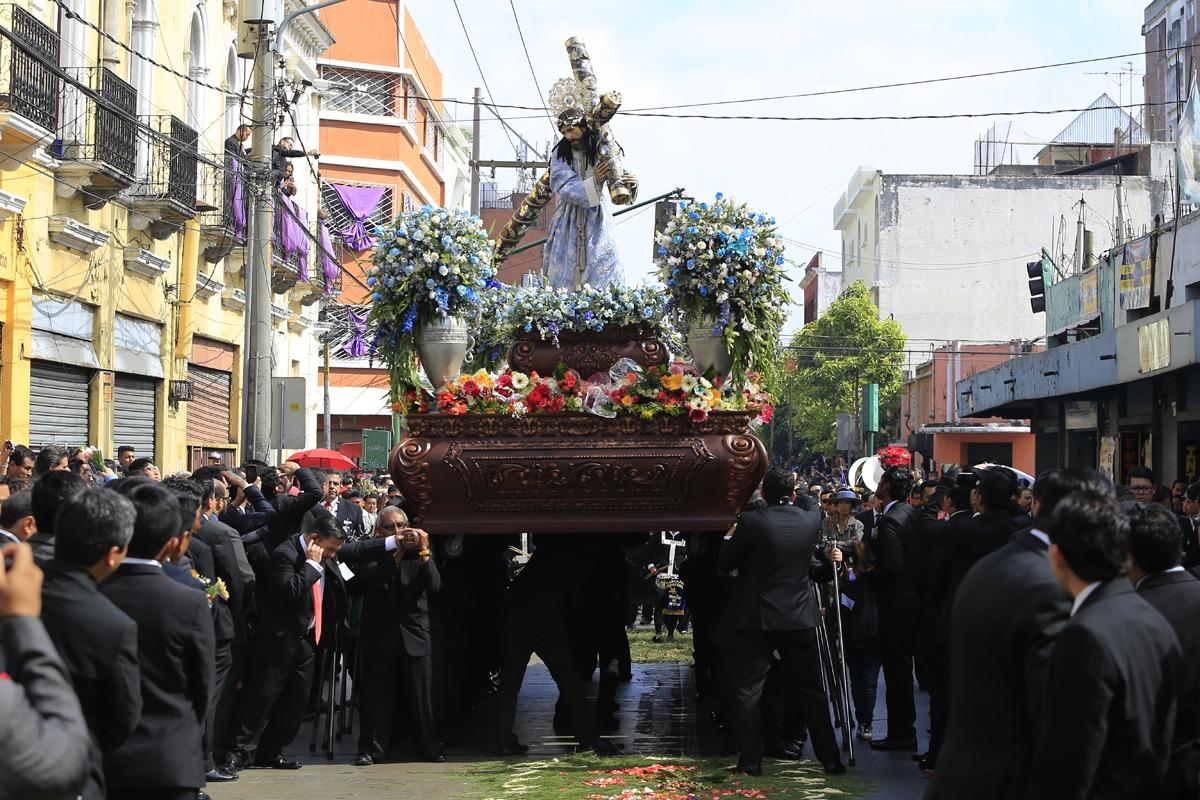 Guatemaltecos se preparan para la Semana Mayor