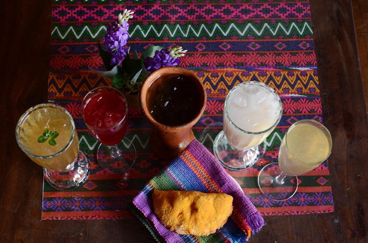 Súchiles bebida refrescante tradicional de la Semana Santa
