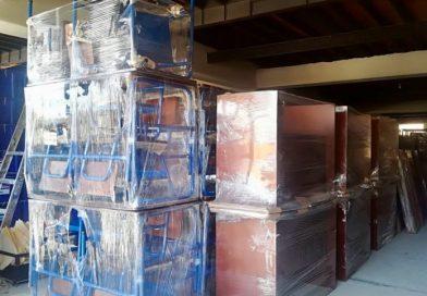 Mineduc acelera entrega de mobiliario a escuelas del país
