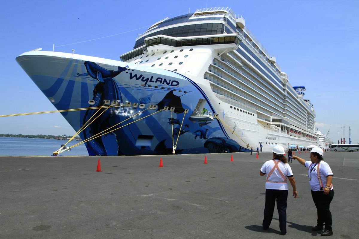 Crucero más grande de la historia cumple estadía en Guatemala