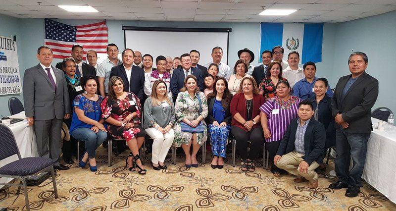 Canciller se reúne con líderes migrantes en Washington