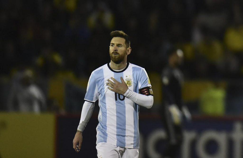 Lionel Messi 10 (Argentina) vConquistó el doblete de Liga y Copa con el FC Barcelona. –Acabó como máximo goleador de la Liga española (34). –Compartió el primer puesto de máximo asistente del campeonato liguero 2017/18 (12).