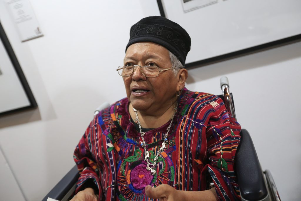 isabel ruiz recibió el premio Carlos Mérida el año pasado.