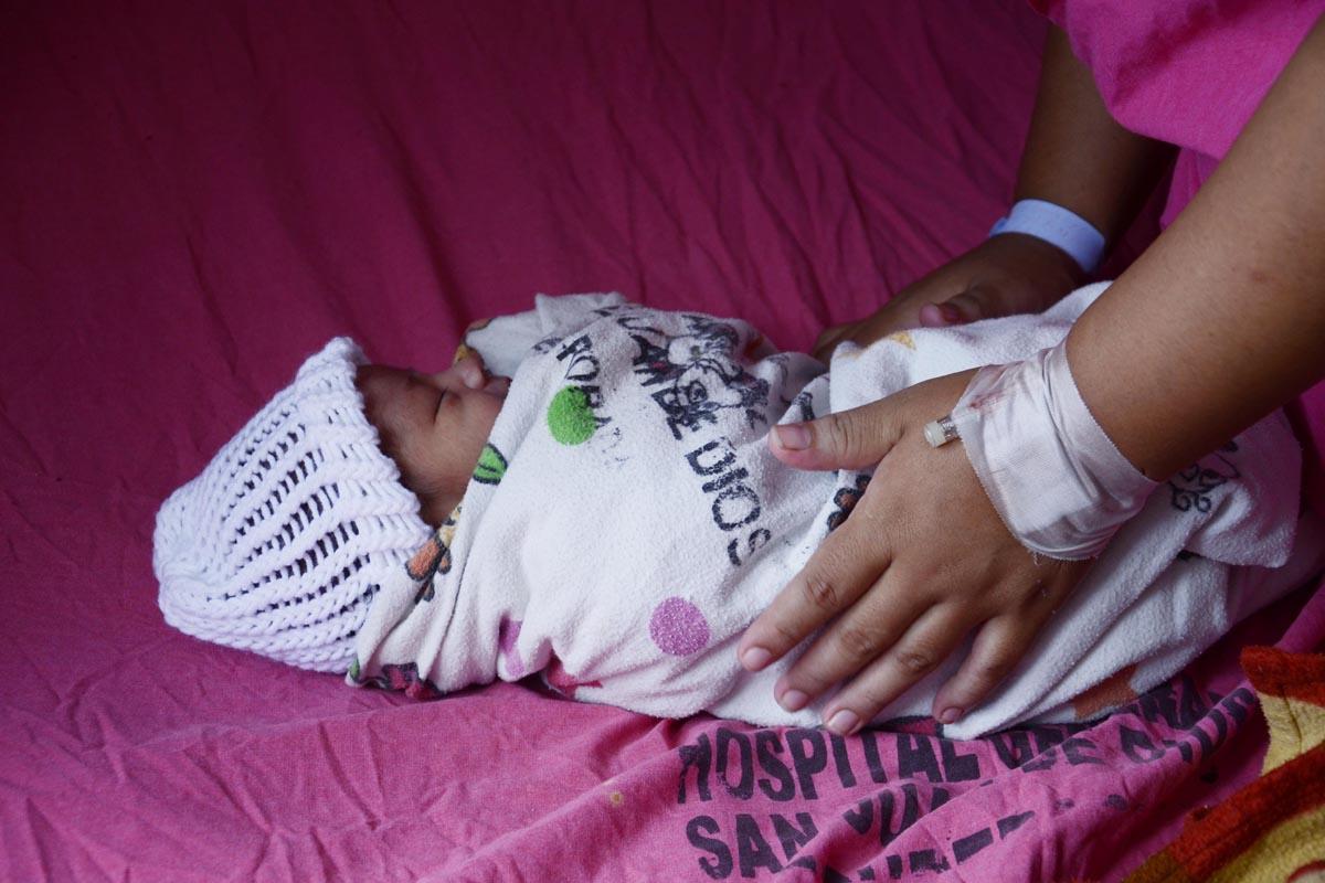"""""""Mamatón"""" fomenta la lactancia materna en hospital San Juan de Dios"""