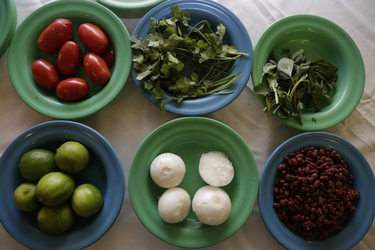 Presentan menús para la alimentación escolar