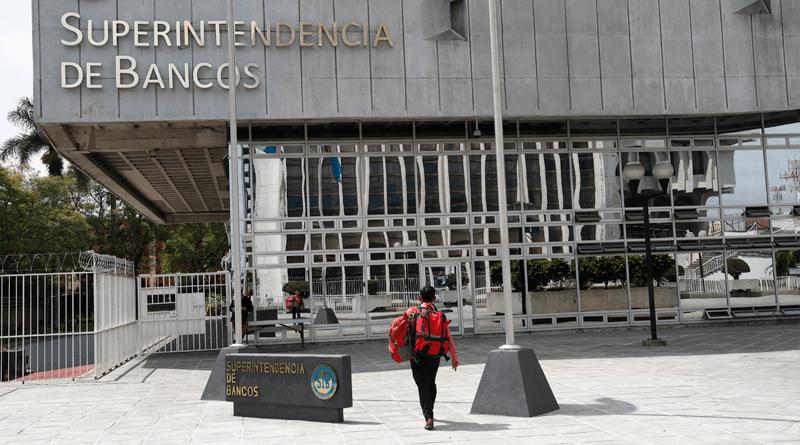 Resultado de imagen para bancos guatemala